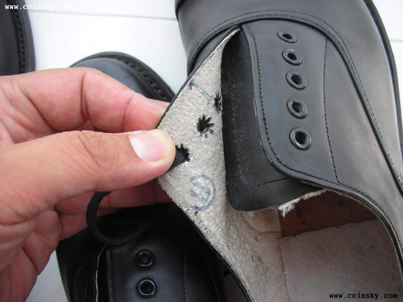 78皮鞋原称为低腰胶底皮鞋